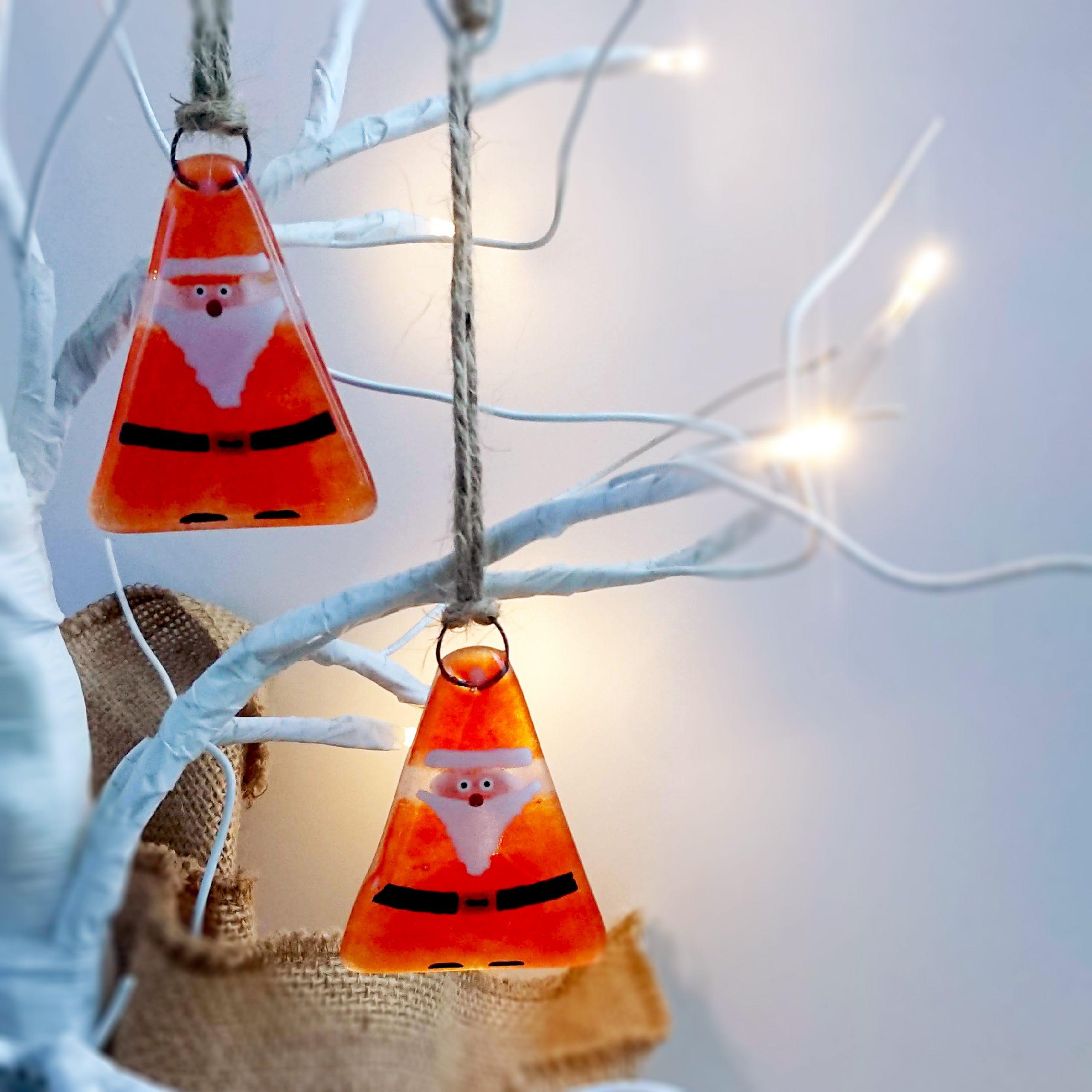 Hanging-santas